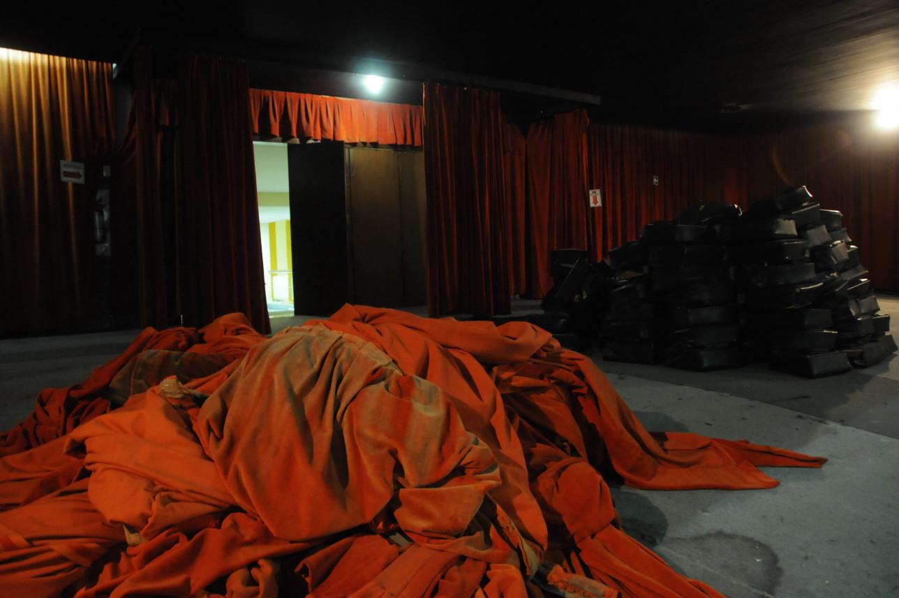 cortinas y butacas sala alfa