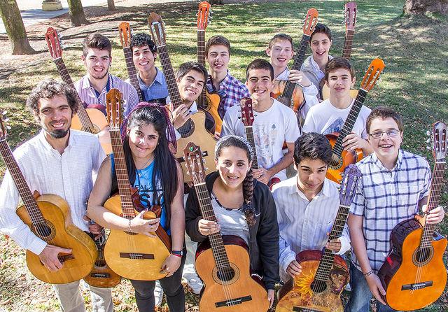 Conjunto Juvenil de Guitarras