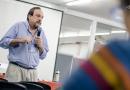 """Tommasino: """"la Universidad no debe ser sólo una fábrica de profesionales"""""""