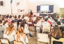 Debate sobre economía social en escuela secundaria barrio La Estación